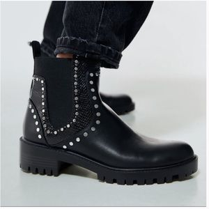 Zara STUDDED FLAT ANKLE BOOTS WITH TRACK SOLES